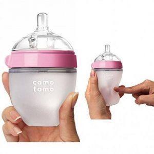 Chất liệu của bình sữa Comotomo rất mềm dẻo
