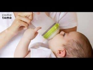 Comotomo có thiêt kế mô phỏng bầu ngực mẹ đơn giản tiện lợi
