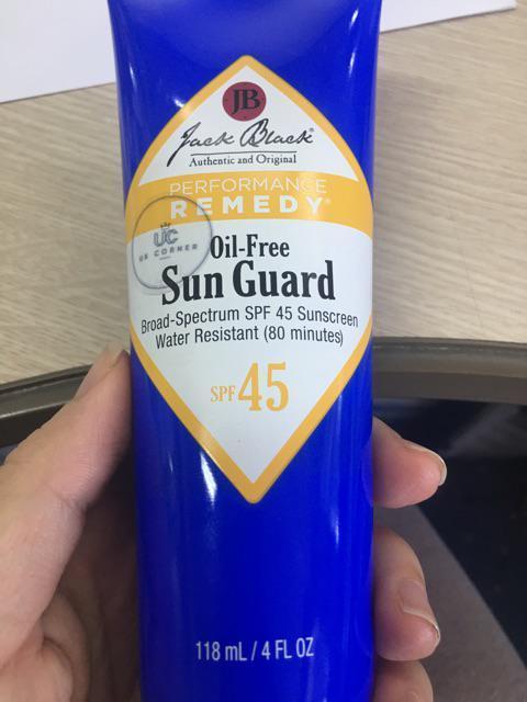 Kem chống nắng cho nam giới Jack Black Oil-free Sun Guard SPF45