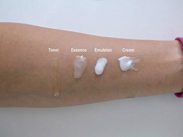 Kết cấu kem dưỡng ẩm cho da dầu