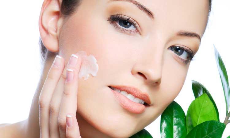 Thành phần có trong kem dưỡng ẩm cho da mụn