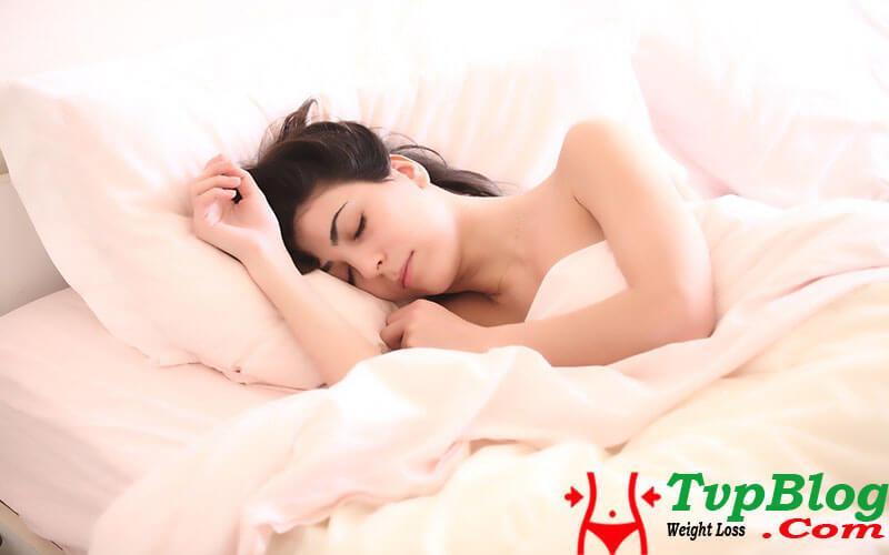 Ngủ đủ giấc luôn là cách giảm cân hiệu quả tại nhà