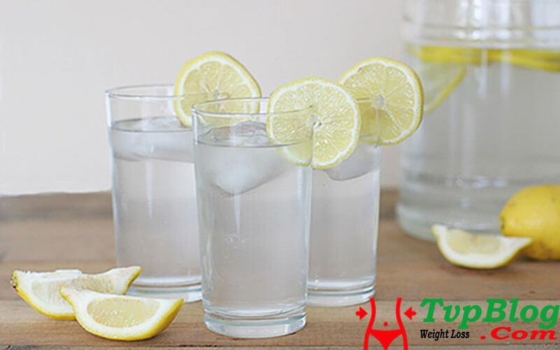 uống nước chanh pha loãng giảm cân
